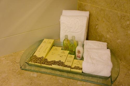 留意一下浴室設備的紙盒, 花紋圖案能連在一起呢, 很有心思