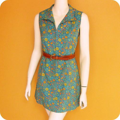 1960s zip front floral dress