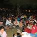 Milhares de Tailandeses espalhados pelo gramado