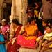 Saris coloridos, roupas usadas pelas mulheres