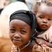 Meninas desde pequeninas cuidao dos irmaos