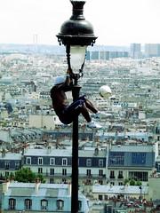 He just did it. (..dri..) Tags: paris france montmartre sacrecoeur futbol francia