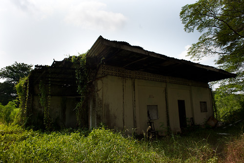 Abandoned KTM quarters along the KTM track near Buona Vista