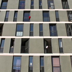 Chabo II: Red and White (hansn (2.5+ Million Views)) Tags: architecture modern göteborg square chabo europa europe sweden contemporary gothenburg architect sverige arkitektur goteborg studenthousing squarish arkitekt wingardhs wingardh wingårdh studentbostäder wingårdhsarkitektkontor wingardharkitektkontor