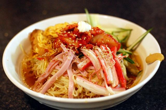 市販の冷やし中華セットのタレにウェイパーダシを溶かしてキンキンで頂くと美味い! #gohan