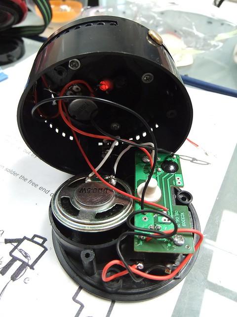 Circuit Bending 101  http://mycroftmilverton.me.uk/memoirs/?p=1605 - 08