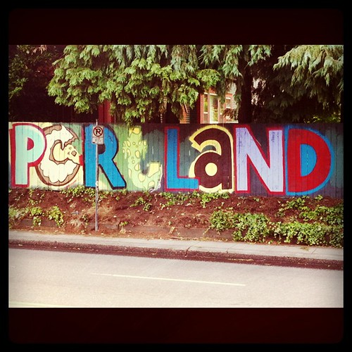 Pictures: New SE Portland Mural @ Belmont Library - Portland