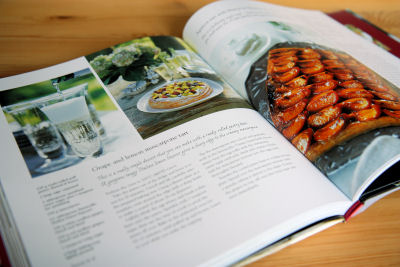 Inside Food for Family & Friends book 2332 R