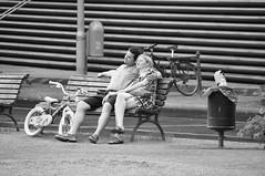 al fin solos (quino para los amigos) Tags: family berlin love bike familia germany kid couple dad pareja amor mother mum alemania niño dsc0215