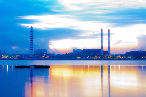 フリー写真素材|建築・建造物|工場・産業機械|朝日・朝焼け・日の出|マレーシア|