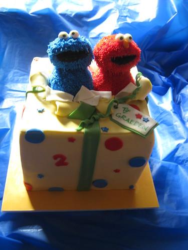 Present Cake by Cake Maniac