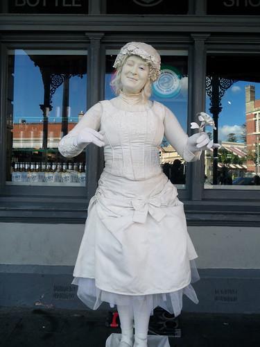 Fremantle Live Statue
