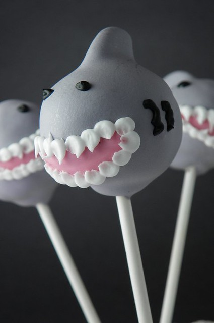 6 CakePoppery-Shark Cake Lollipops Summer Idea Teeth Royal Icing No 3 or 4 Tip
