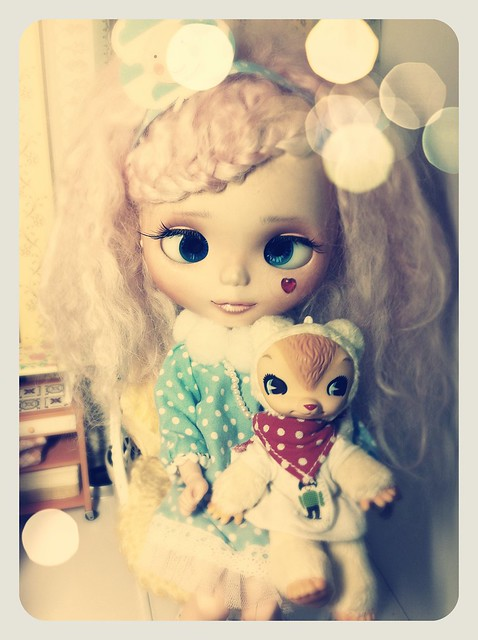 A Blythe a day 211: Amelie in dreaming mood. ^^