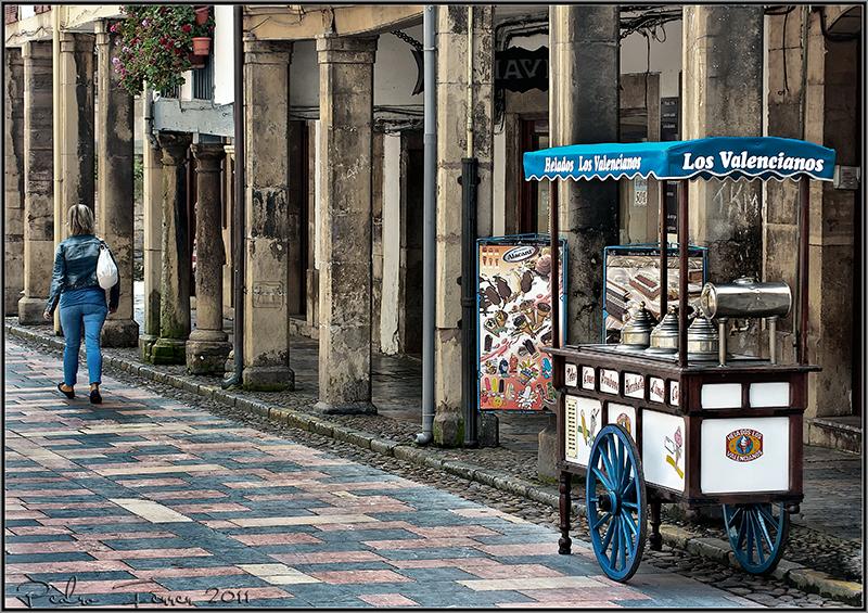 Un pasein por Aviles - Helados Los Valencianos