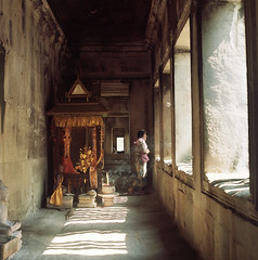 Incense and Light ( ken ) Tags: trip 120 6x6 film rollei rolleiflex cambodia kodak angkorwat planar     28e    ektacolorpro160