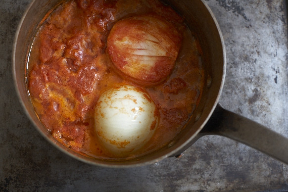 Tomato Sauce with Butter and Onion