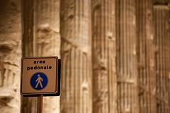 area pedonale DSC_0773 (iulian nistea) Tags: street italy rome roma temple strada italia rue italie areapedonale templu