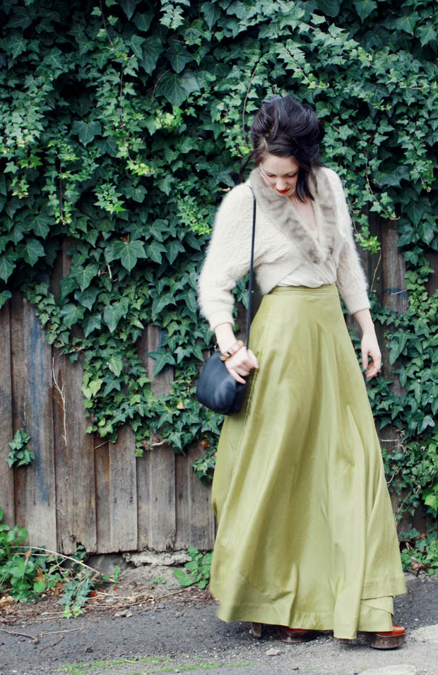 green maxi skirt b