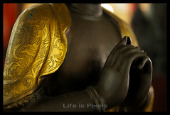 Buddha, Chinese style (LifeisPixels - Thanks for 650,000 views!) Tags: museum 35mm giant lens thailand temple is sam bokeh priceless sony chinese entrance objects sala historical 16 alpha f18 which sian artifacts dt sien usd fee 1835 the countess merely chonburi a55 anek kuson viharn lifepixels viharnra lifeispixels sonyalphathailand lifeispixelscom