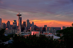 Seattle Dawn from Kerry Park (NW Vagabond) Tags: seattle pink orange sunrise dawn downtown day cloudy spaceneedle kerrypark mtrainier keyarena