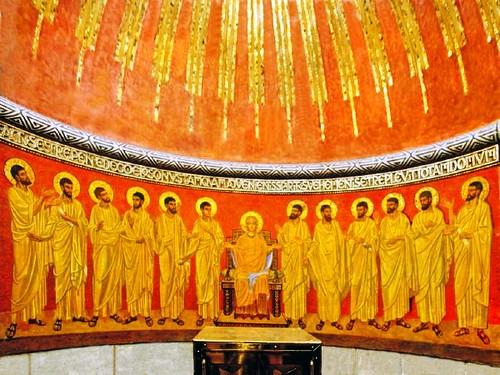 Maria con los doce apostoles