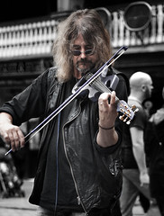 Ed Alleyne Johnson (R.J.Boyd) Tags: people musician music ed candid johnson chester violin streetperformer busker busking electricviolin alleyne