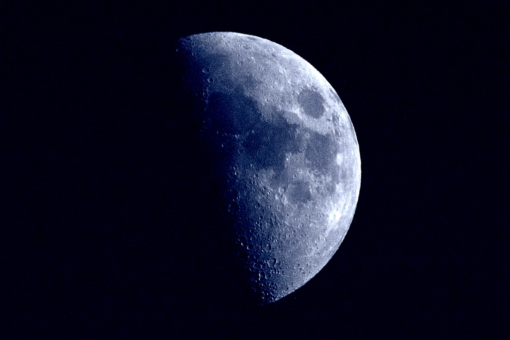 The World\'s Best Photos of cuarto and moon - Flickr Hive Mind