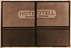 hoteotell (lena.kallberg) Tags: rollei vintage kodak creative frame half bromesko creativefujica drivelithrollei