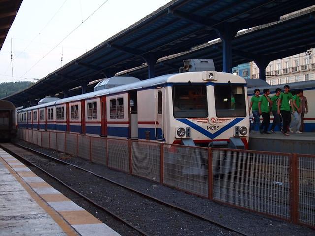 錫爾克吉火車站(Sirkeci Station)停靠的列車