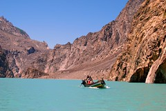 Boat heading the other way (KOKONIS) Tags: travel pakistan mountain lake landscape nikon asia karakoram hunza  d80 gojal  mrgniqq      attabad