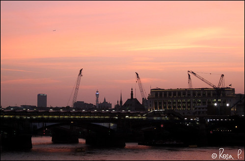 UK - London - Thames Silhouette