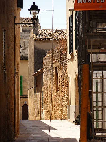 Narrow street in Alcúdia Old Town