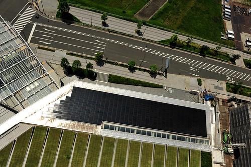 日産グローバル本社に設置された太陽光パネル