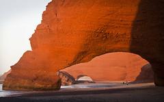 Legzira (le calmar) Tags: ocean sunset sea sun mer beach canon eos soleil desert arches cliffs atlantic morocco maroc plage canoneos essaouira coucherdesoleil falaises dsert atlantique ocan 20111 eos50d canoneos50d legzira sidifni