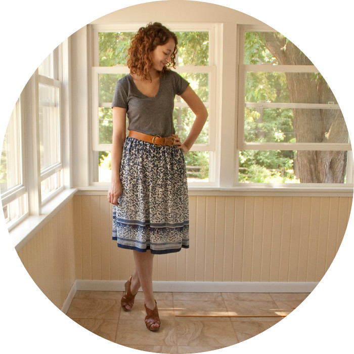 dashdotdotty, dash dot dotty, navy skirt with tee, vintage, belt, wedges, summer outfits