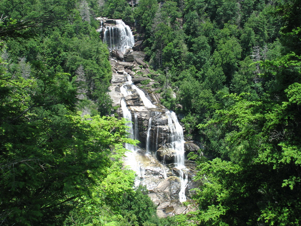 5942500790 3e8e8e30e9 b Photo Essay: 11 Wonderous Waterfalls of the Western Carolinas