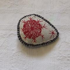 handmade linocut brooch (ruby victoria) Tags: christmas decorations handmade blogger linocut etsy letterpress announcements notecards backstitch blanketstitch madeit felthandsewn snowflatesduckie