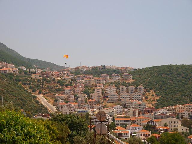 Kas城上空的飛行傘