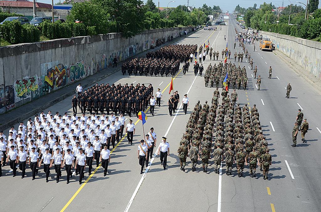 Paradă fastuoasă de Ziua Independenţei