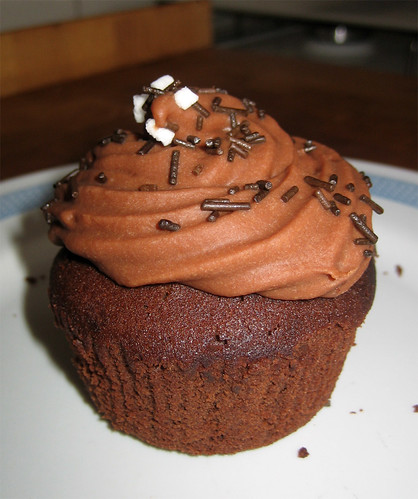 cupcakes al doppio cioccolato e cuore di arancio by fugzu