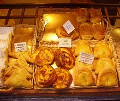 Vitrine d'une pâtisserie...2