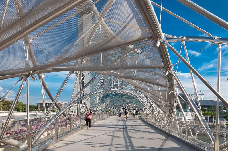 Marina Bays Sands Bridge