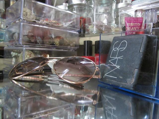 Organizing Vanity Dresser (38)