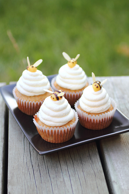 2 Adventuressheart-Honey Beehive Marzipan Cupcakes Idea