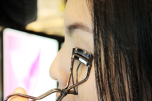Curling Marbbie's Lashes Using Shiseido Eyelash Curler