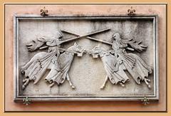 Aigues-Mortes Bas-relief VIP_4783 (Bernard Hague) Tags: horses cavalli languedoc basrelief chevaux aiguesmortes chevaliers hrault cavaliers mditerrane moyenage borddemer calallos