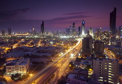 Kuwait City with Traffic trails ! ( Saleh AlRashaid / www.Salehphotography.net) Tags: canon lan