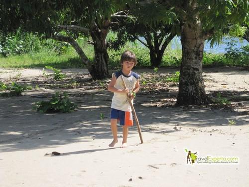 Exploring the beach - kid activity
