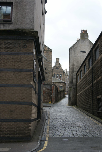 Edinburgh Lane by susanvg
